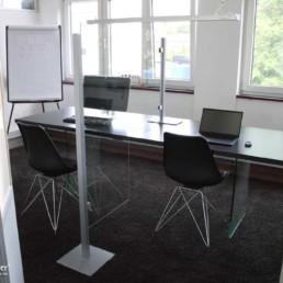 MK Schutztrennwand für Tisch, Seitenansicht